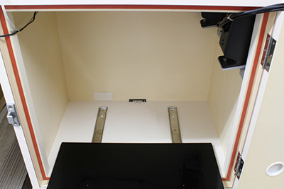 6.Drawer mount table